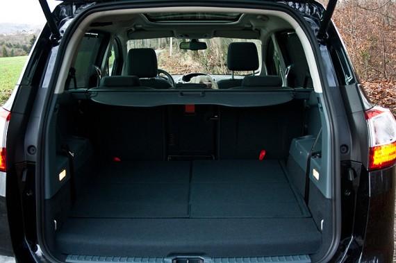 Kofferraum mit 7 Sitzen und Flocke!