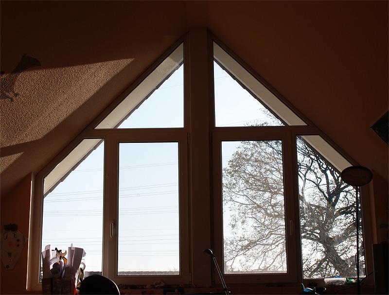 verdunkelung giebelfenster. Black Bedroom Furniture Sets. Home Design Ideas